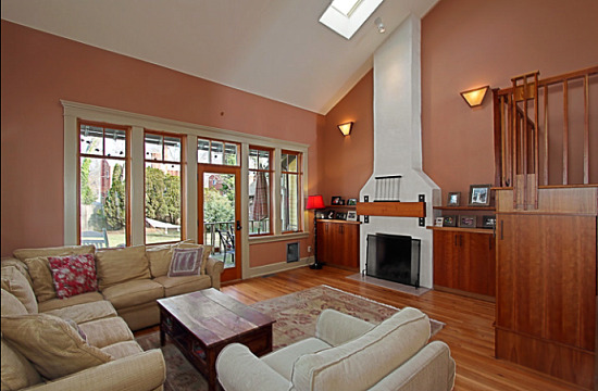 under contract four bedroom arts and crafts in del ray and the castle