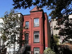 Deal of the Week: Shaw Row House for $409K: Figure 1
