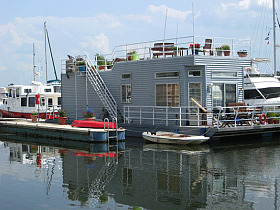 http://dc.urbanturf.com/articles/blog/gangplank_marina_live-aboards_shifted_as_the_wharf_prepares_for_groundbreak/7800