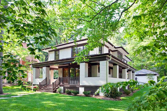 Unique spaces frank lloyd wright goes green in kensington for Frank lloyd wright craftsman