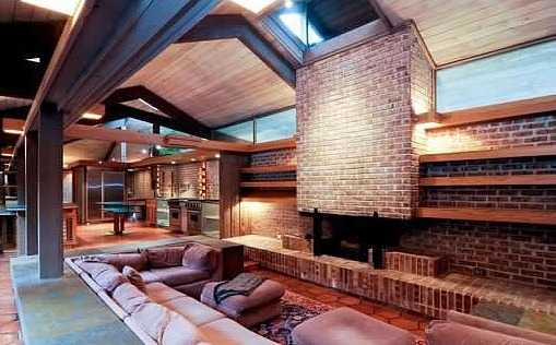 The Price of a Frank Lloyd Wright-Inspired Abode Revealed: Figure 1