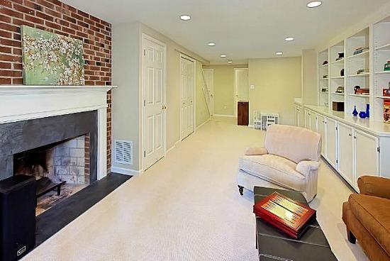 NoVa Best New Listings: A Sunroom, Brick Floors, and Built-Ins: Figure 2