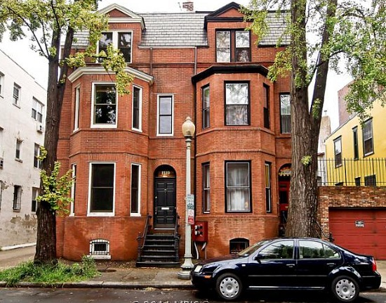 What 980k buys you in the dc area for Four bedroom townhouse