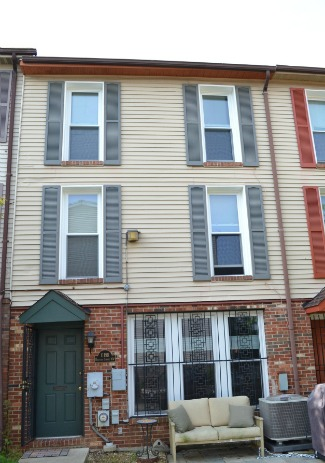 Testing the Waters: How Much For a Columbia Heights Row House?: Figure 1