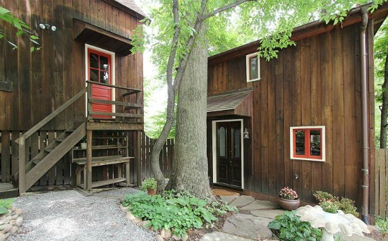 This Week's Find: A Modern Log Cabin: Figure 1