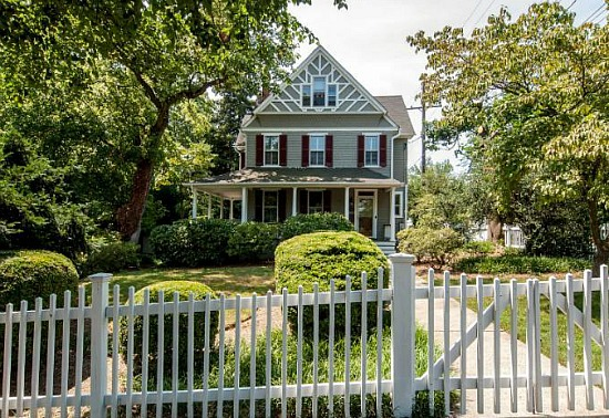 Best New Listings: Two Condos and a White Picket Fence: Figure 3