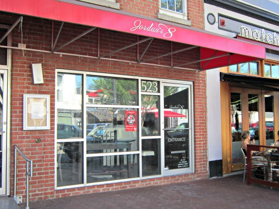 Neighborhood Eats: Hank's, Yo! Sushi Opening, Back Alley Waffles Closes: Figure 3