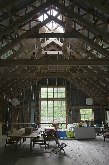 Friday Eye Candy: A Home Office in a Vermont Barn: Figure 2