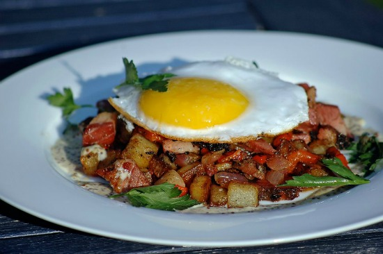 DGS 's pastrami hash with duck egg. (Courtesy: DGS ' Facebook )
