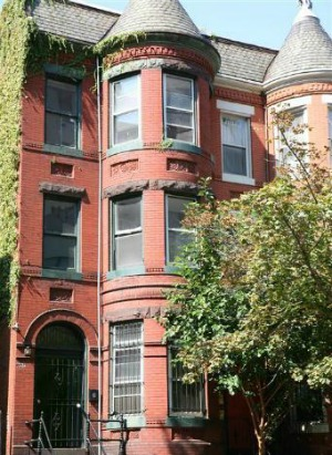 Deal of the Week: Multi-Story Victorian That Needs Updating: Figure 1