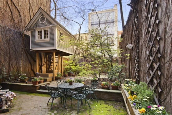 A Treehouse Grows in Manhattan: Figure 1
