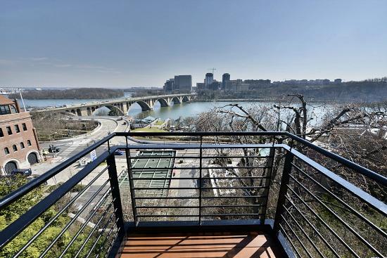 This Week's Find: The Best View in Georgetown: Figure 3
