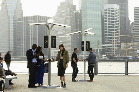 Phone Dying? Solar-Powered Charging Stations Popping Up in NYC: Figure 1