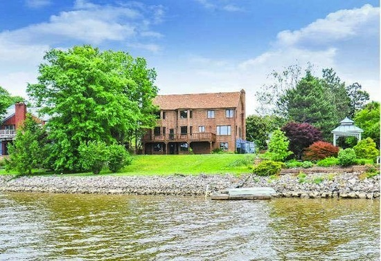 Best New Listings NoVa: A Waterfront Chalet and a Manhattan-style Penthouse: Figure 2