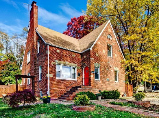 Best New Listings: Narrow Victorian, Exposed Brick and Tiered Backyard: Figure 3