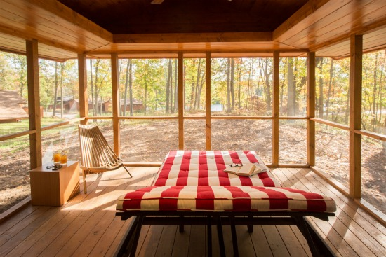 This 400 Square-Foot Mobile Cabin Looks at Home in the Woods: Figure 2