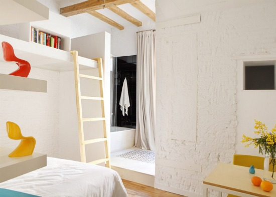 A Micro-Unit For Two in Barcelona: Figure 2