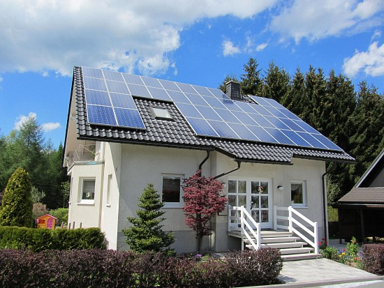 Study: Home Buyers Will Pay a $15,000 Premium for Solar Panels: Figure 1