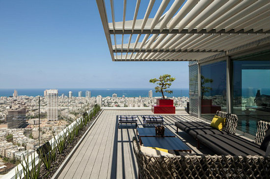 Friday Eye Candy: A Tel Aviv Penthouse Designed For a Collection: Figure 4
