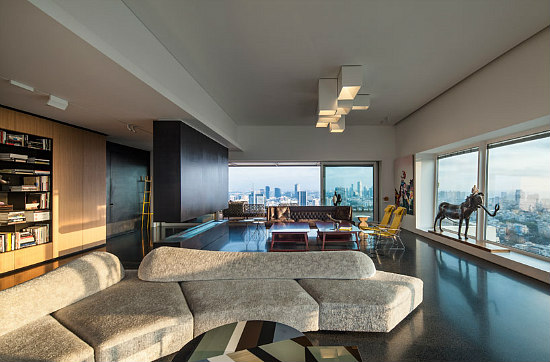 Friday Eye Candy: A Tel Aviv Penthouse Designed For a Collection: Figure 1