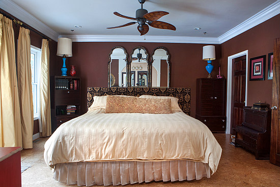 This Week's Find: A 5,400 Square Foot Bed and Breakfast on the Hill: Figure 6