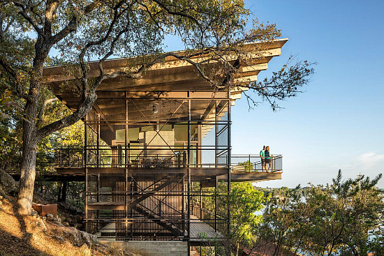 A Blue Lake Retreat Built into a Texas Hillside: Figure 1