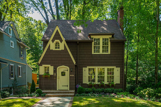 Best New Listings: From a Cottage to a Corner Rowhouse: Figure 1