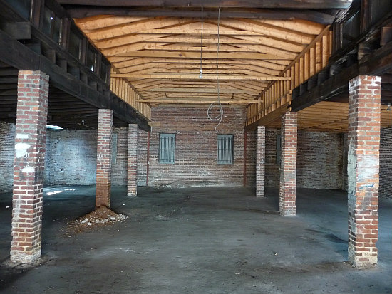 5,000 Square Feet on One Level: Capitol Hill's Most Intriguing Warehouse Conversion: Figure 3