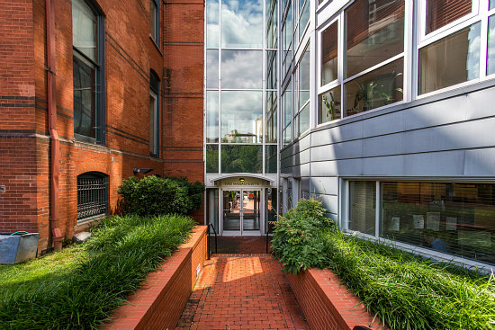 Peggy Cooper Cafritz Lists Art-Filled Dupont Circle Duplex: Figure 5