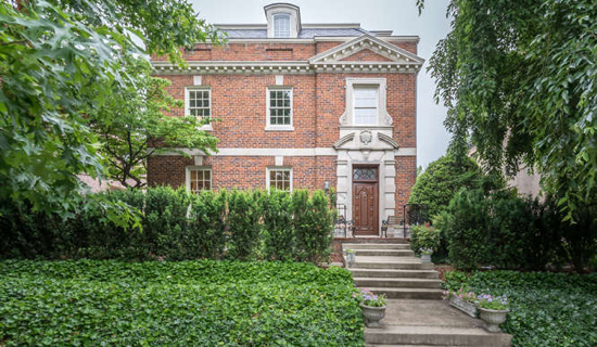 An Elegant Woodley Park Estate Hits the Market: Figure 1