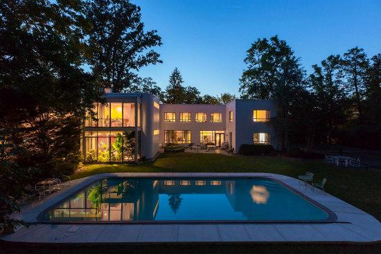 DC's Million-Dollar Neighborhoods: Figure 1