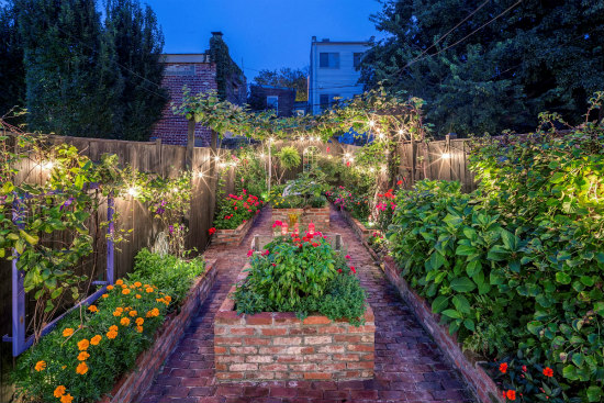 Best New Listings: A Beautiful Garden in Shaw; A New House in an Old Town: Figure 1