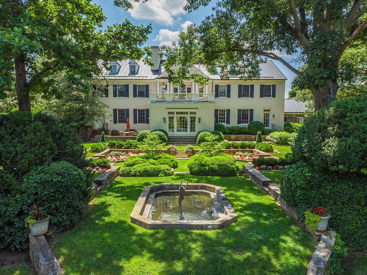 This Week's Find: A $13 Million Equestrian Estate in Virginia: Figure 1