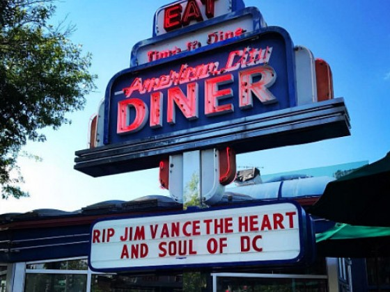 One of DC's Last Diners Closes Its Doors