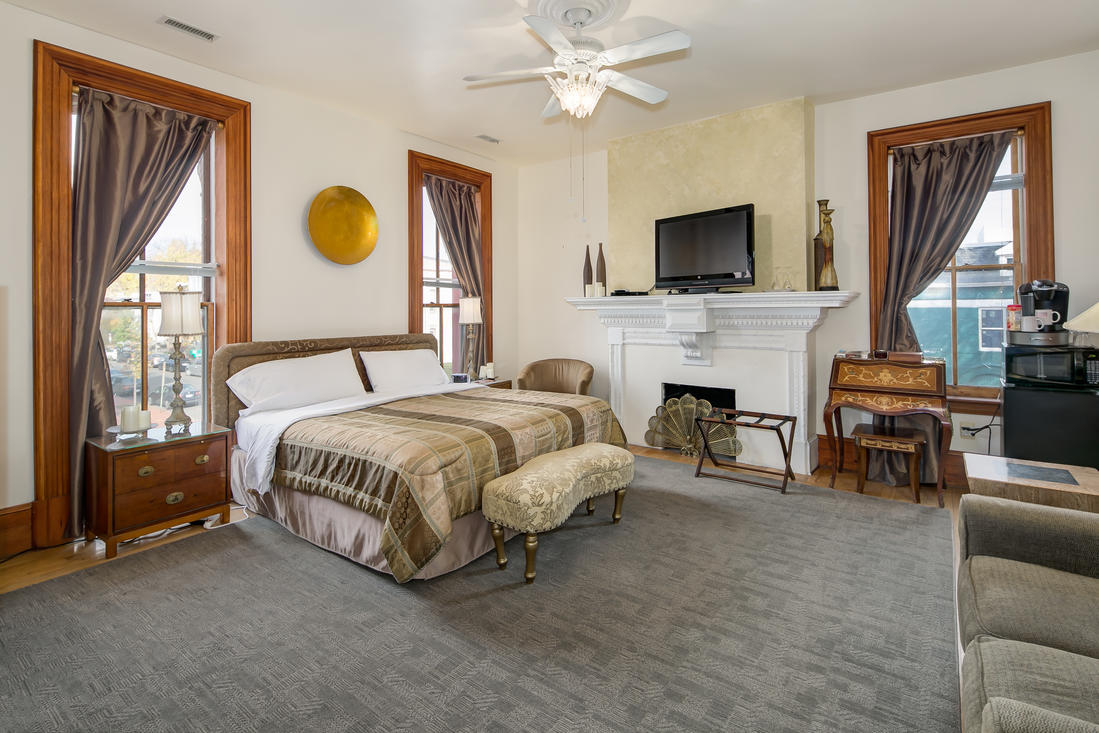 From B&B to Airbnb? Remixing a Mount Vernon Triangle Mainstay: Figure 3