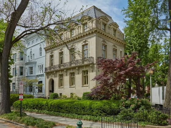 A Dupont Circle Mansion, A President's Niece and a $525,000 Premium