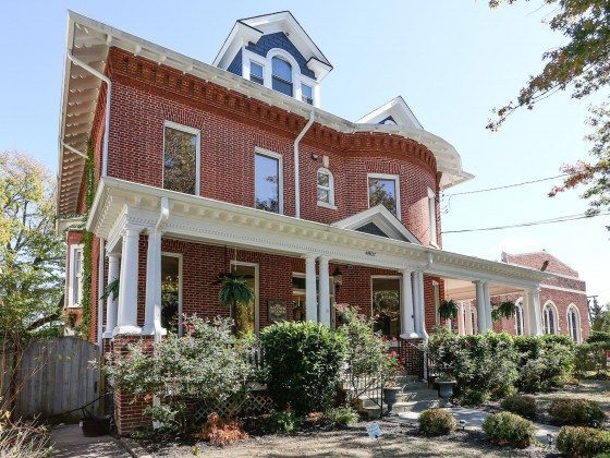 This Week's Find: A 24-Room 14th Street Bed and Breakfast