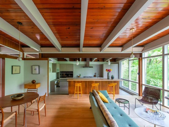 Best New Listings: Two Corners, Hidden Spaces, and Mid-Century Style