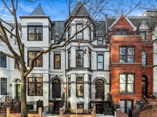 Rare Boutique Condominium Selling Quickly in Mount Vernon Triangle