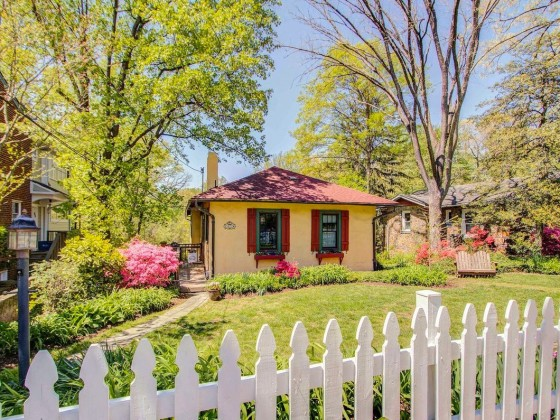 Best New Listings: The Bungalow and Carriage House Edition