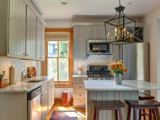 Best New Listings: Bonus Rooms, Built-ins, and Sleeping Porches