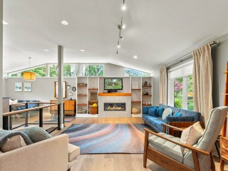 Best New Listings: Small and Smart, Solar-Powered, and Sort Of Secluded
