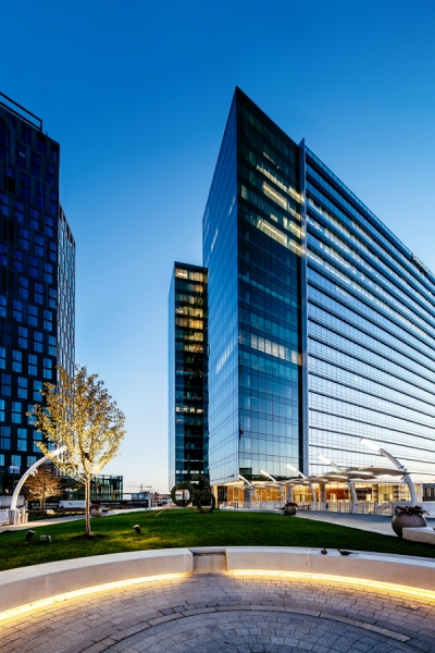 Urbanturf the authority on real estate in the nation 39 s for Silver towers leasing office