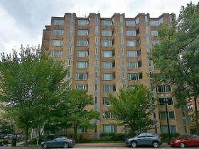 2800 Wisconsin Ave NW, #704