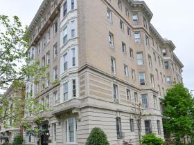 1852 Columbia Road NW, Unit 104