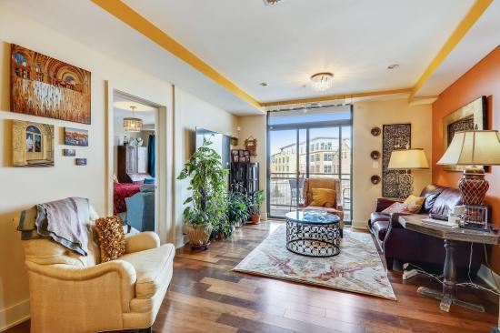 1306 Pennsylvania Avenue, SE, 401