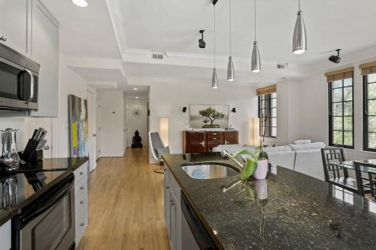 1701 16th St. NW, #301