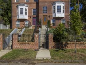 140-# 1/2 Wilmington Pl SE